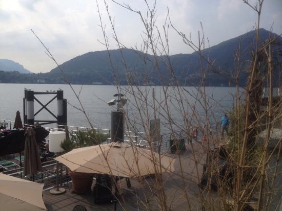 Piscina galleggiante sul lago  Picture of Grand Hotel Britannia Excelsior Cadenabbia di