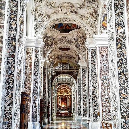 Navata Della Chiesa di Ges in Piazza della Casa Professa  Picture of Chiesa del Gesu Palermo