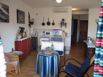 Salon suite con cocina americana y TV Picture of La Casa de la Abuela Clotilde Hornos Tripadvisor