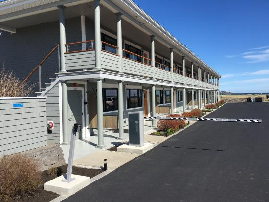 Lighthouse Suites At Pine Point Prices Amp Motel Reviews