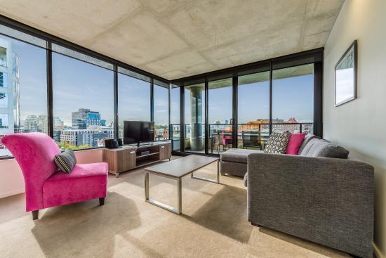 Mantra St Kilda Road 2 Bedroom Apartment