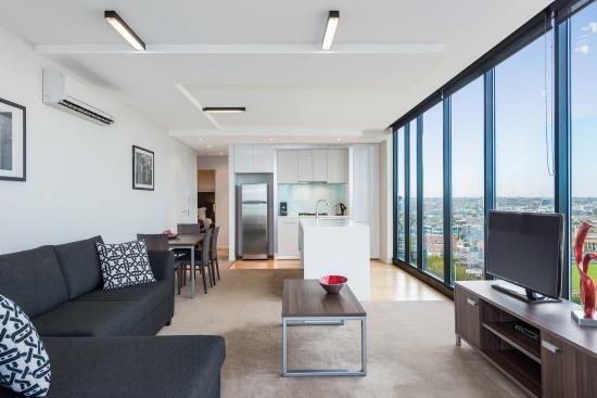 Mantra St Kilda Road 2 Bedroom Executive Apartment