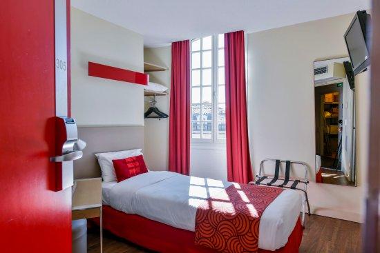 Chambre Single  Picture of Coeur de City Hotel Bordeaux Clemenceau by HappyCulture Bordeaux