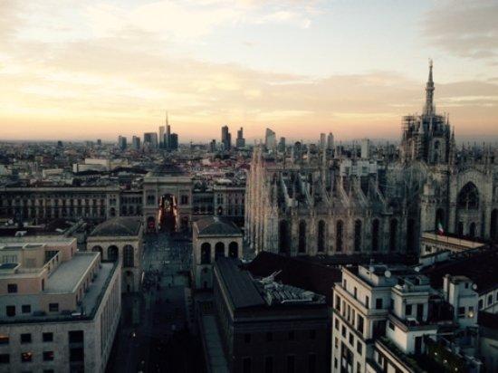 Vista Duomo dalla terrazza martini  Foto di Terrazza