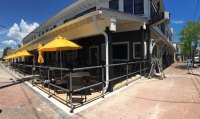 Outdoor Dining & Patio Bar - Picture of Anchor Tavern ...