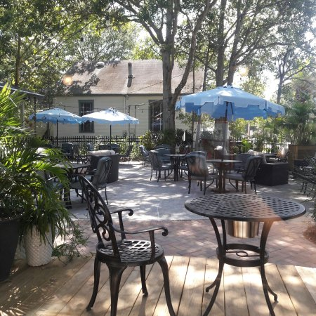 picture of the patio place