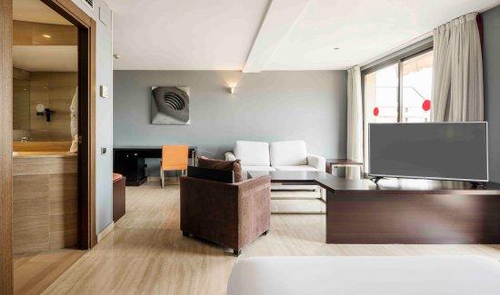 Junior Suite Picture Of Hotel Ilunion Almirante Barcelona