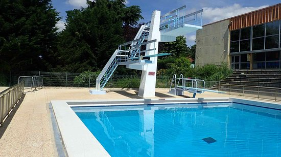 GIEN 45  Loiret France  Stade nautique  Fosse  plongeon  Photo de Stade Nautique