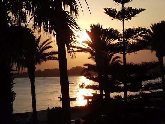 """Sonnenuntergang Von Der Terrasse Des """"Belle Vue"""" Photo De"""