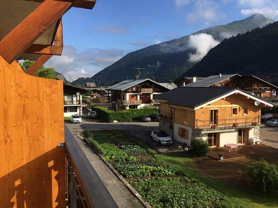 Vue Sur Les Chalets Picture Of Hotel Les Bruyeres Morzine