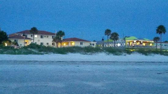 keystone motel at dusk