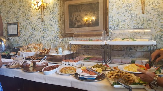 Breakfast Buffet Picture Of The Inn At The Spanish Steps