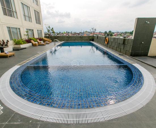 10 Hotel Dengan Kolam Renang Di Terbaik Di Malang