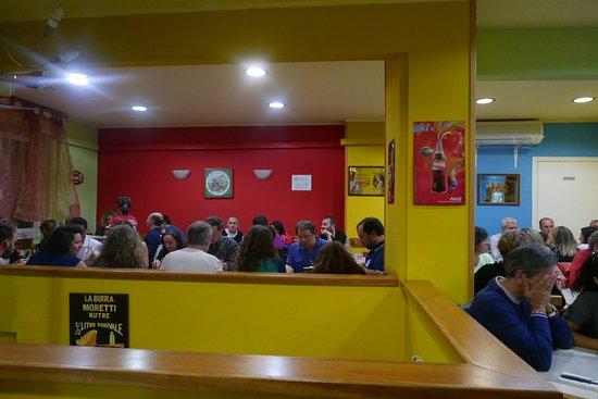 la sala al primo piano colori pop alle pareti  Picture of Pizzeria Da Paolo Genoa  TripAdvisor