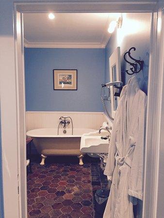 baignoire a l ancienne tomette dans
