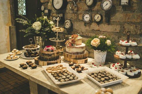 Foto de Restaurante Ferro Medelln Mesa de postres
