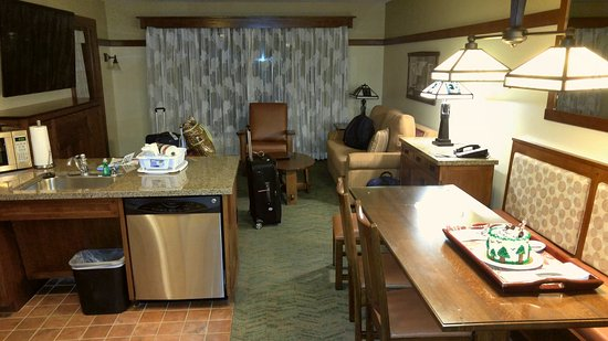 Disney S Grand Californian Hotel Spa One Bedroom Suite