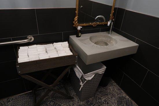 Nice Bathroom With Cloth Individual Hand Towels Picture Of Arcana Boulder Tripadvisor