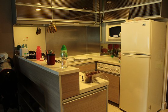 hotel with kitchen hong kong commercial faucets sprayer kitchenette fridge freezer microwave washing machine our mess kowloon harbourfront
