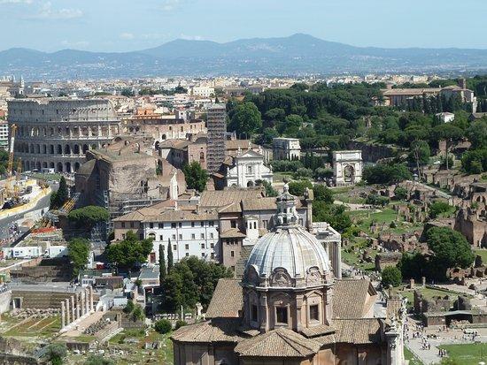 Terrazza delle Quadrighe  Colosseum  Roman Forum  Bild