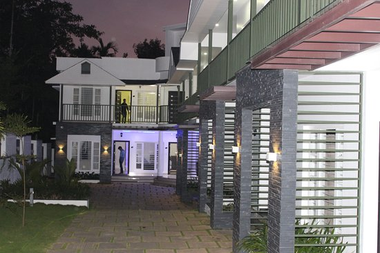 Front Side View Picture Of Le Villagio Holiday Apartments