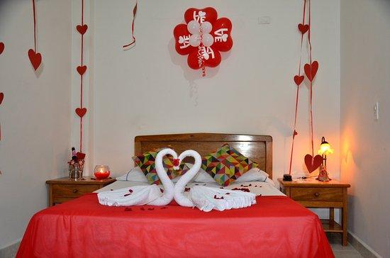 Habitaciones decoradas para noches romanticas  Picture of