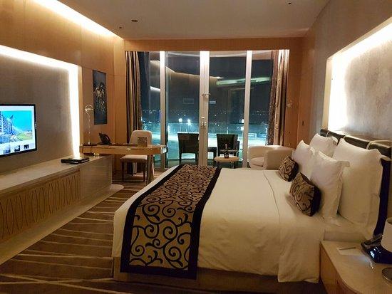 Chambre avec vue  Picture of The Meydan Hotel Dubai  TripAdvisor