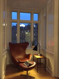 arne jacobsen egg chair. love.love. - Bild frn Hotel ...