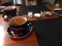 Tea mugs are huge - Billede af robinson pub, Zalaegerszeg ...
