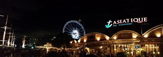 Nearby Asiatique Night Market Picture Of Chatrium Hotel