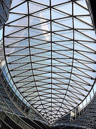 Milano Palazzo Lombardia visto da piazza Citt di Lombardia  Foto di Palazzo Lombardia Milano
