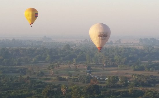 Magical Sunset Hot Air Balloon Ride - 暹粒柬埔寨熱氣球之旅的圖片 - Tripadvisor