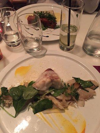Sur Un Arbre Perché Restaurant : arbre, perché, restaurant, Plats, Poissons, Picture, Arbre, Perche,, Paris, Tripadvisor