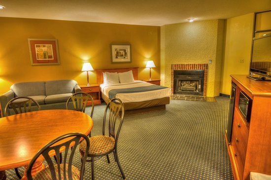 2 Bedroom Suite Picture Of Best Western Toni Inn Pigeon Forge. 2 Bedroom Suite Hotels In Pigeon Forge Tn   Scandlecandle com