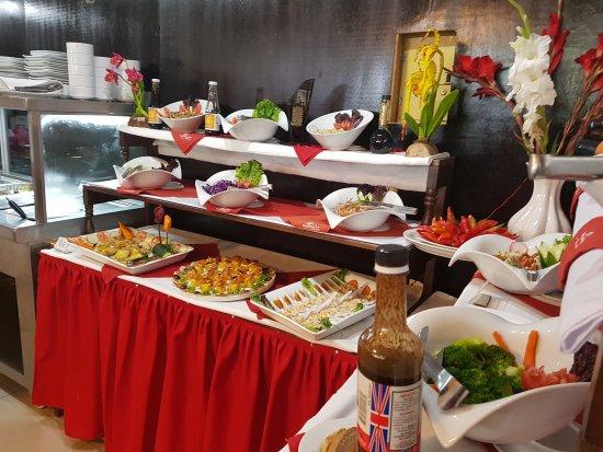 Mesa de Buffet  Picture of Hatuchay Inn Restaurante