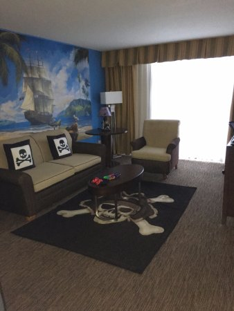 anaheim hotels with kitchen near disneyland standard sink size pirate 1 bedroom suite picture of holiday inn hotel suites blk