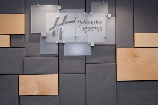 Back Wall Of Front Desk Foto Holiday Inn Express Slidell