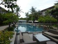 Pool and garden terrace - Picture of Hilton Garden Inn ...