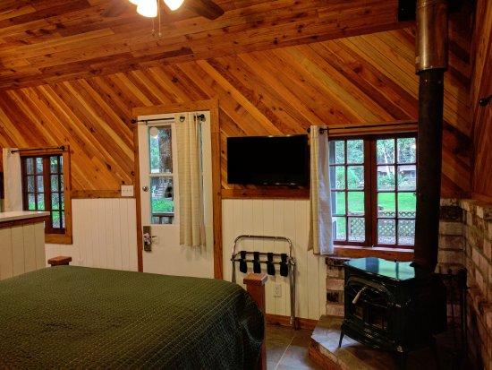 Emerald Forest Cabins  RV  UPDATED 2017 Campground