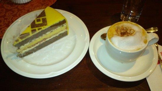 Lienzer Torte mit Espresso  Bild von City Cafe Konditorei