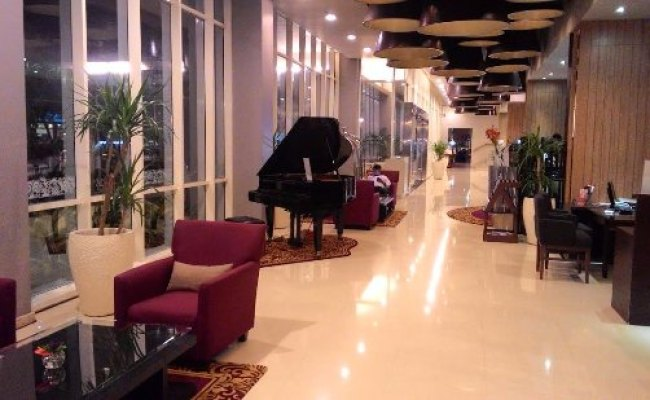 Clean Lobby Entrance Picture Of Atria Hotel Gading