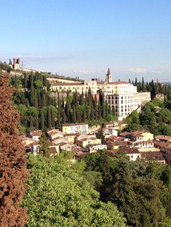 panorama  Foto di Piazzale Castel San Pietro Verona