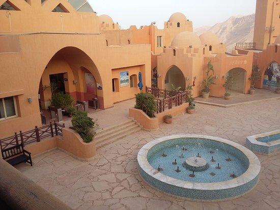 منظر محطة التلفريك من بلكونة الغرفة Picture Of El Jabal