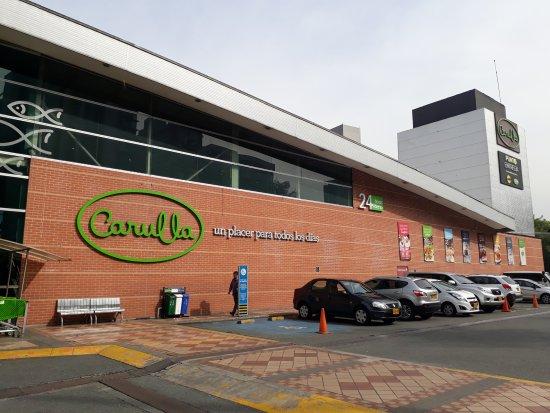 Carullo health food supermarket next to Apartamentos