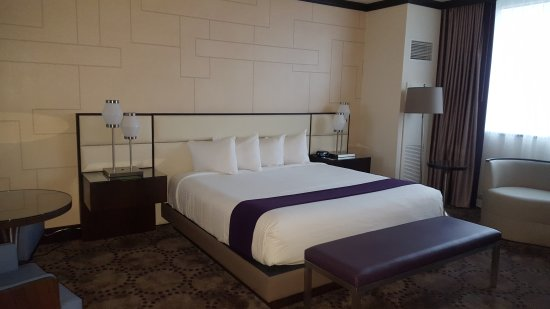Renovated Bayview Tower King room  Picture of Harrahs