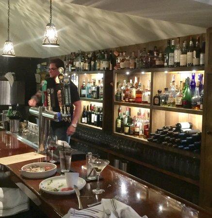 Bar Metacom Kitchen Warren