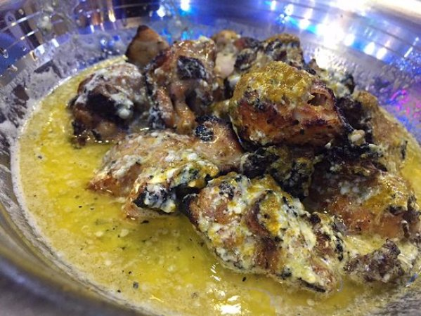 Chicken with Butter Gravy - Picture of Aslam Chicken, New Delhi - Tripadvisor