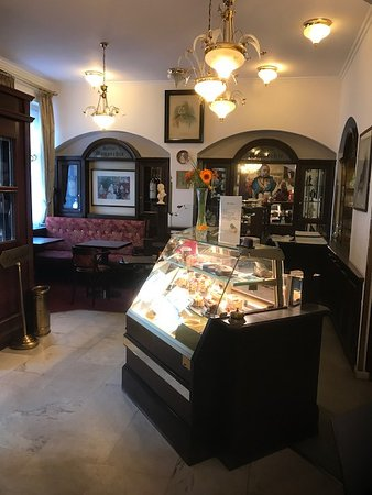 Cafe Monarchie Wien  Thurygrund  Restaurant Bewertungen