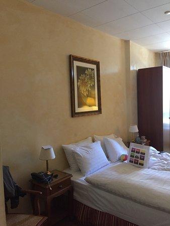 Photo1 Jpg Picture Of Hotel De La Nouvelle Couronne