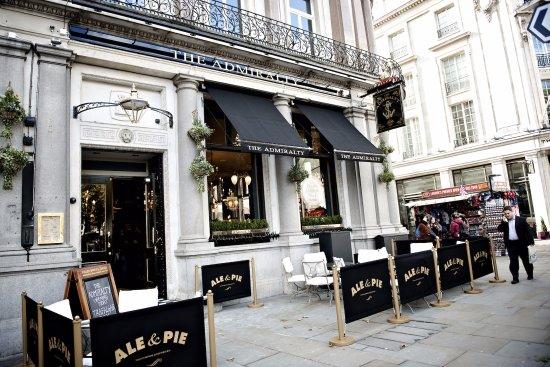 Family Restaurants Near Trafalgar Square